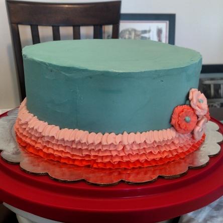 Vanilla cake with vanilla frosting